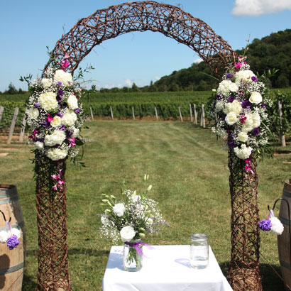 Arbour Arrangement, Niagara Weddings